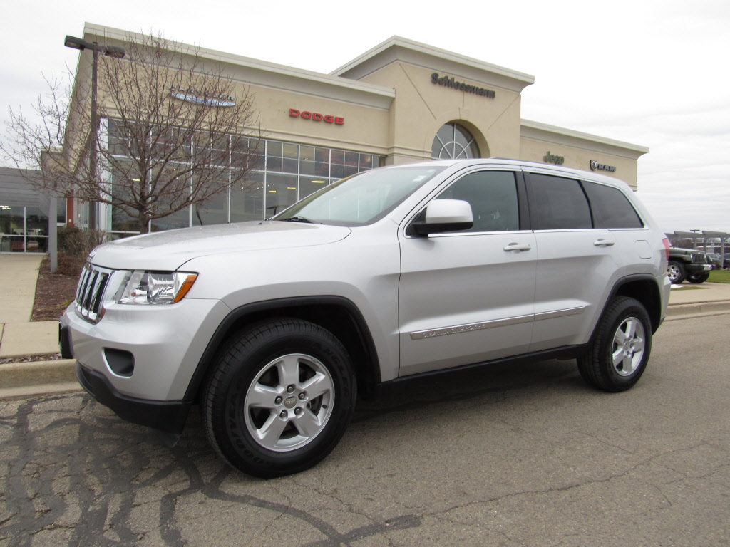 pre owned 2013 jeep grand cherokee laredo suv in brookfield tw2109 schlossmann dodge city. Black Bedroom Furniture Sets. Home Design Ideas
