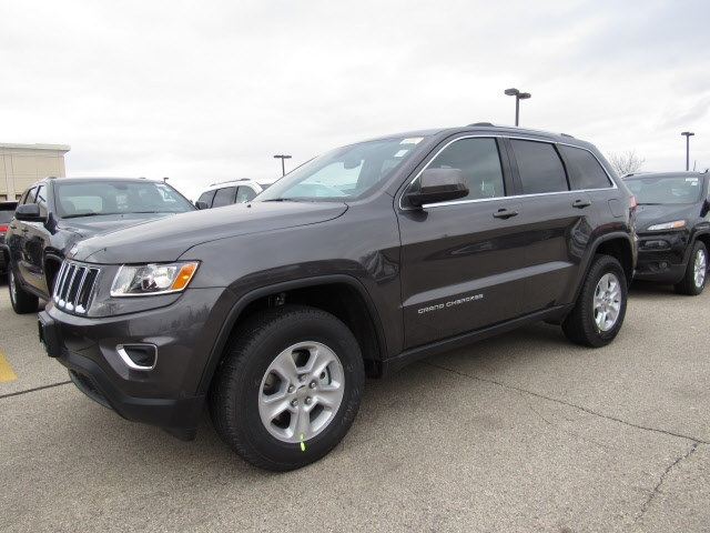 new 2016 jeep grand cherokee laredo sport utility in brookfield 70517 schlossmann dodge city. Black Bedroom Furniture Sets. Home Design Ideas