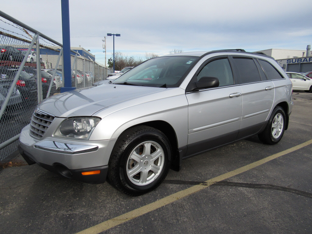 Pre Owned 2005 Chrysler Pacifica Touring Suv In Brookfield
